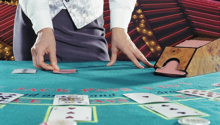 Programlı çeşitli Blackjack Oyunları